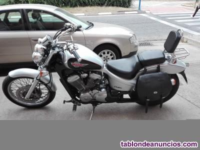 Ocasion particular vendo Honda Shadow VT600 C Gris Metalizado (583cc)