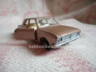 Miniatura ford cortina ii  matchbox