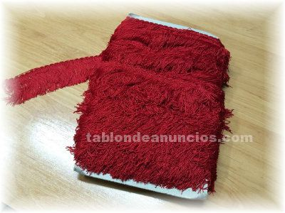 Vendo pieza de fleco rojo para confeccion flecos gaitas