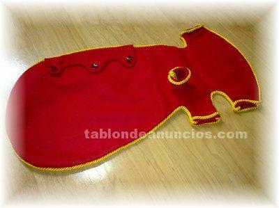 Vendo vestido de fieltro rojo con ronquillo sin flecos para gaita