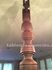 Dos lámparas de madera de cerezo