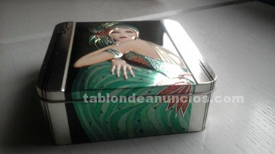 Decorativa caja metalica