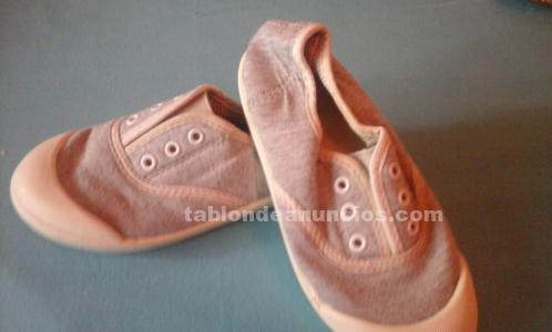 Zapatillas loneta talla 26.