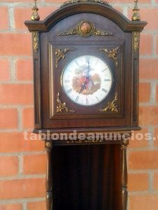 Reloj carrillón modernista