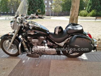 Se vende suzuki intruder vs 800