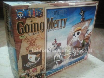 Vendo going merry model ship (one piece)