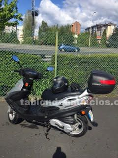 Se vende scooter kymco impecable