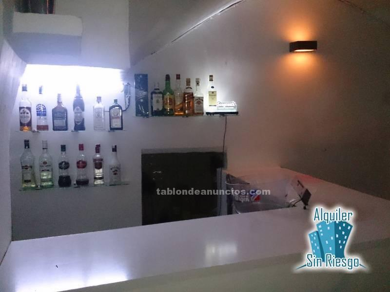 Se vende bar en plaza mayor