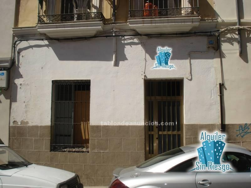 Se vende local en calle margallo