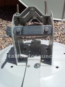 Tabl n de anuncios com antena parab lica con fotos for Antenas parabolicas en granada