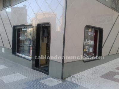 Alquilo local 70 m doble altura