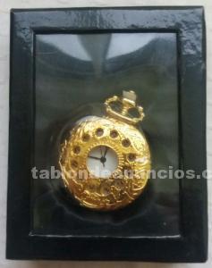 Reloj de bolsillo de señora dorado