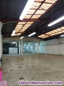 Local de 800 mts en venta.local de una sola planta y dos entradas de acceso.