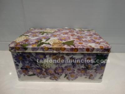 Caja cola cao edición flores lila