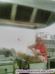 Ayudante y pinche de cocina  ,COCINERA, Y de friegaplatos