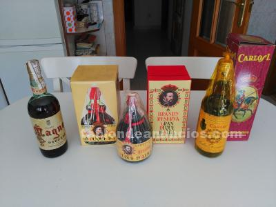 Lote de botellas antiguas en perfecto estado