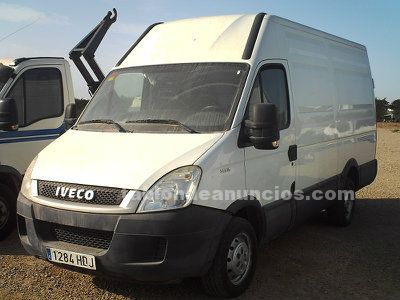 Iveco daily 35s13 furgon.