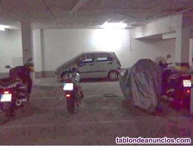 Se alquila plaza garaje. Para moto