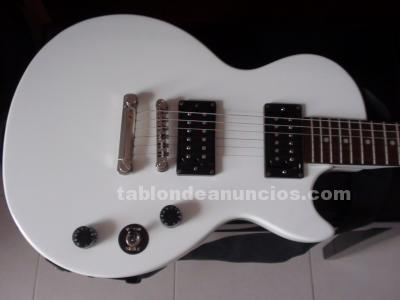 VENDE  GUITARRA  ELECTRICA EN PERFECTO ESTADO