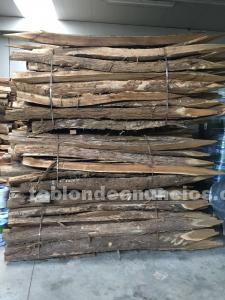 Estacas de acacia a domicilio