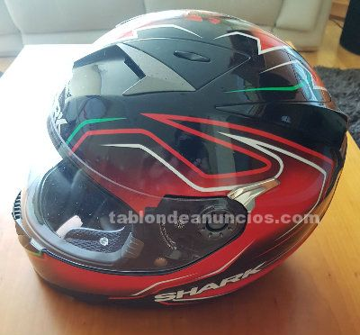 Casco marca shark