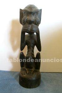 Estatua tribal de madera
