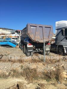 Bañera leciñena de camion para desguace