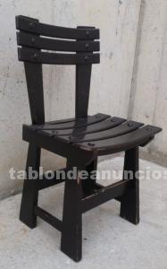 56 sillas de color marrón