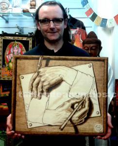 Manos dibujándose (escher) - cuadro pirografiado - pyrography