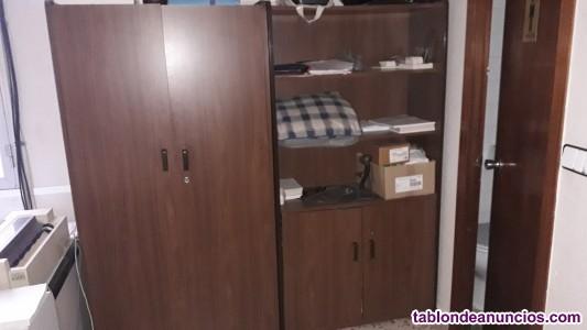 Vendo mobiliario de oficina y máquina de escribir electrica