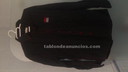 Camisa negra de estrella galicia
