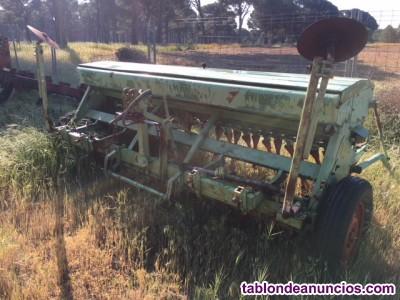 Vendo sembradora hassia de 3 metros