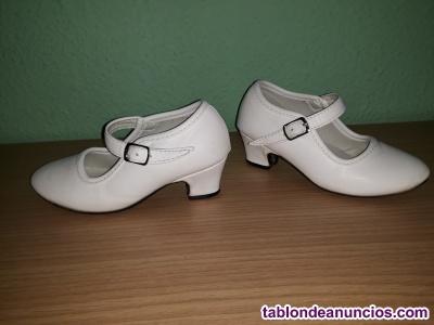 Zapato de flamenca  color BLANCO  Número 23