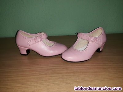 Zapatos de flamenca rosa numero 24