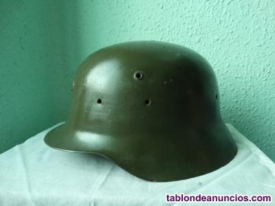 Antiguo casco militar