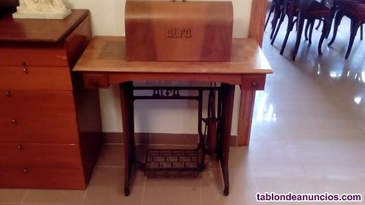 Maquina de coser antigua marca alfa