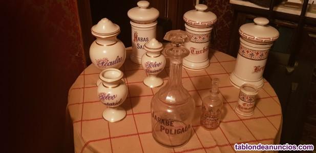 Tapiz antiguo al oleo,menaje,vajillas muy cotizadas,antiguedades,porcelana.
