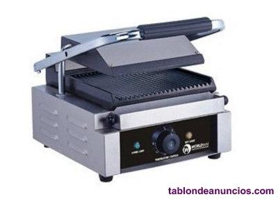 Sandwichera grill con plancha rayada