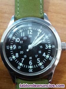 Reloj verde a