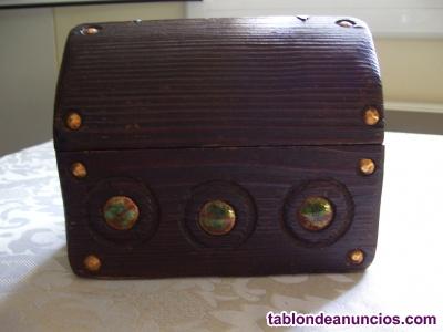 Cofre vintage madera