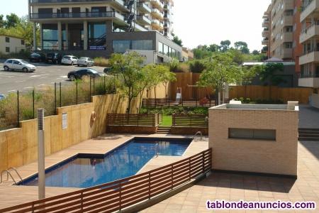 Piso de diseño con parking y piscina