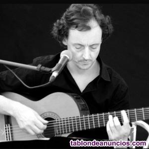 Profesor de Guitarra Moderna y Clásica en Valencia.