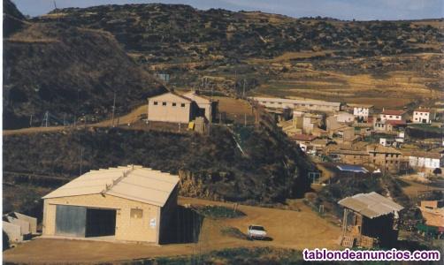 Area de Acampada e instalaciones para Equitación.