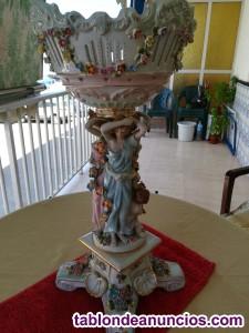 Centro de porcelana  alemana