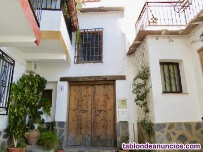 Casa de pueblo alpujarreña bien cuidada- Bérchules, Granada
