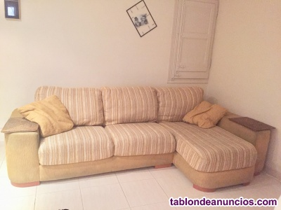 SOFÁ CON CHAISE LONGUE Y 2 COJINES