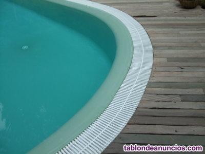 Revestimiento de piscinas en poliester.