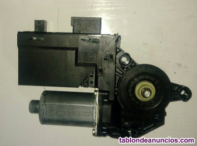 Motor elevalunas puerta del conductor de Peugeot 307 de referencia 9634457580