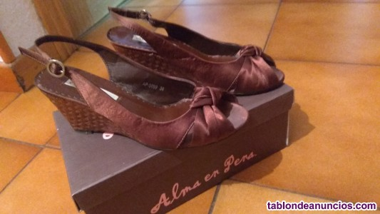 Zapatos marrón cuña