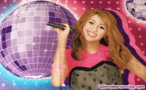 Dos mantas de Hannah Montana
